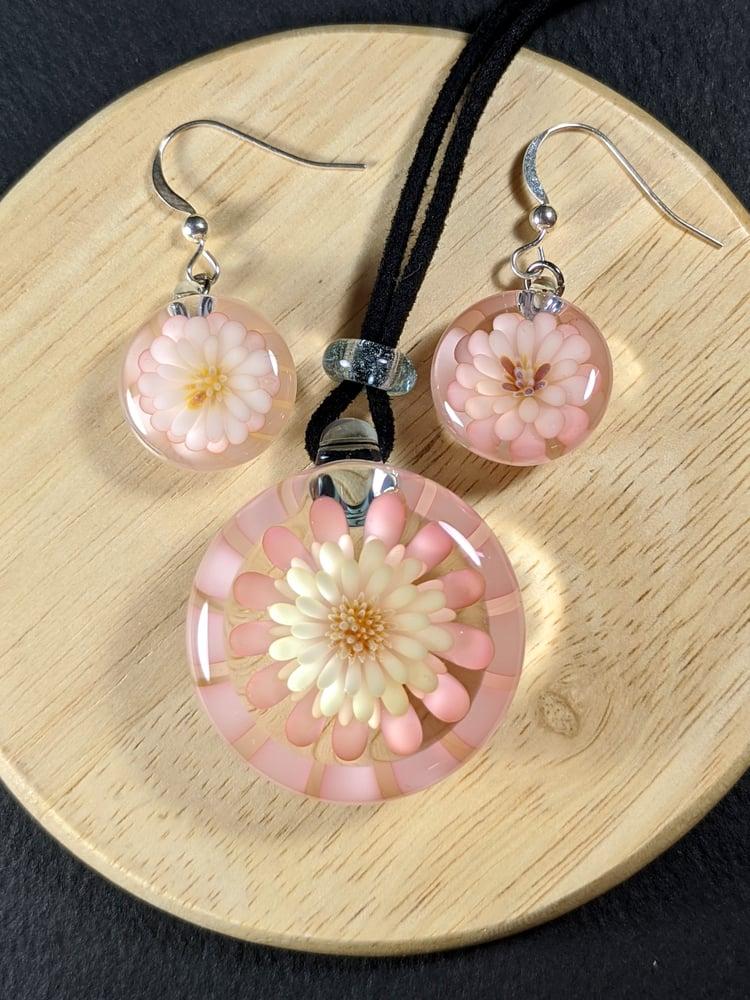 Flower pendant and earring set