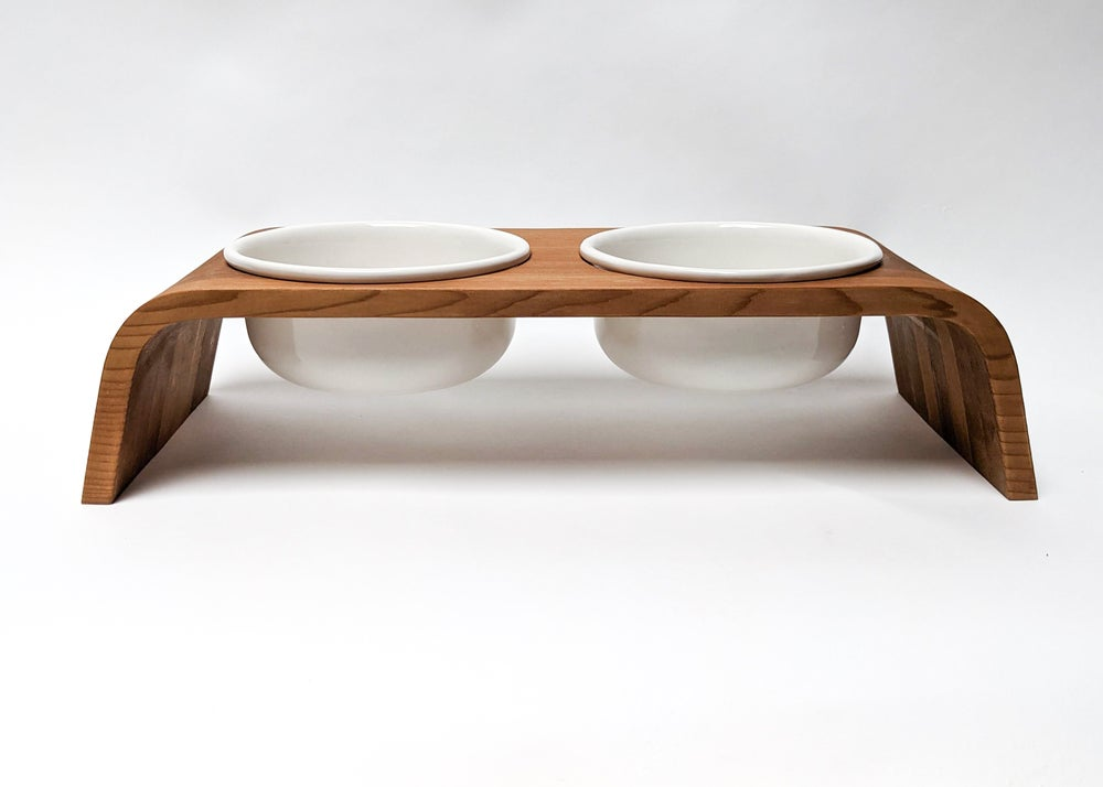 Image of CEDAR DOG BOWL STAND SET: DOUBLE SHORT