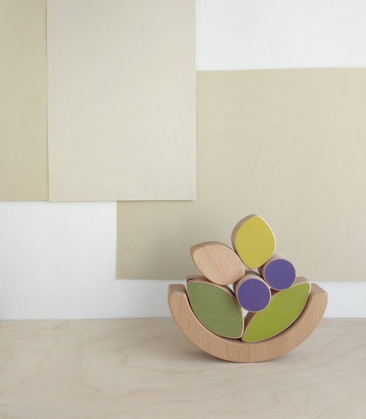 Image of The wandering workshop- Leaves & Blueberries balancing toy