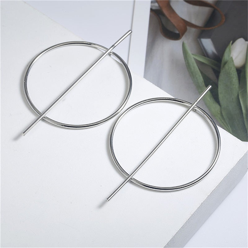 Image of Circle Hollow Earrings
