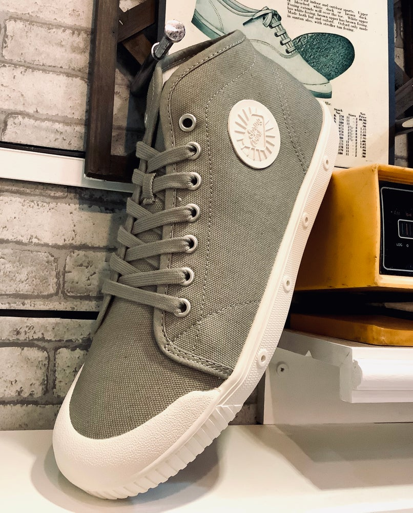 Image of Spring court B2 mid top sneaker shoes