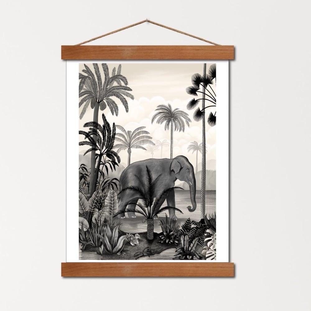 Image of Affiche A4 Un Éléphant dans la Jungle