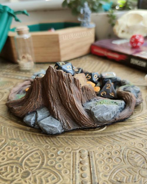 Image of Woodland throne display base.