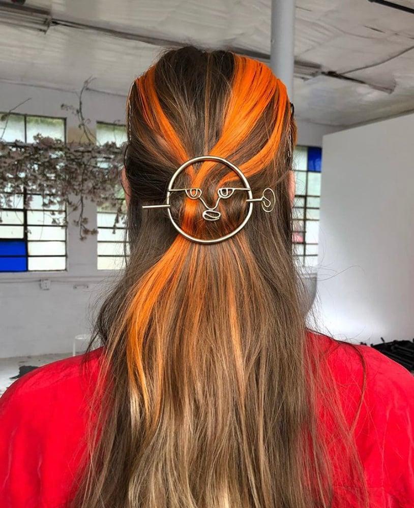 Image of Looking Back Hair Pin