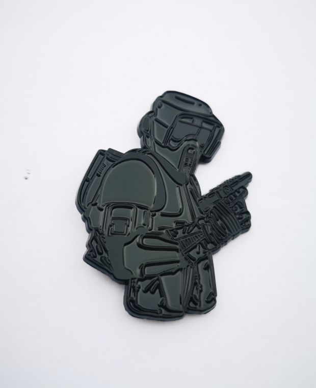 """Image of Shadow Scout 2.5"""" Bust Lapel Pin #11 in Series"""