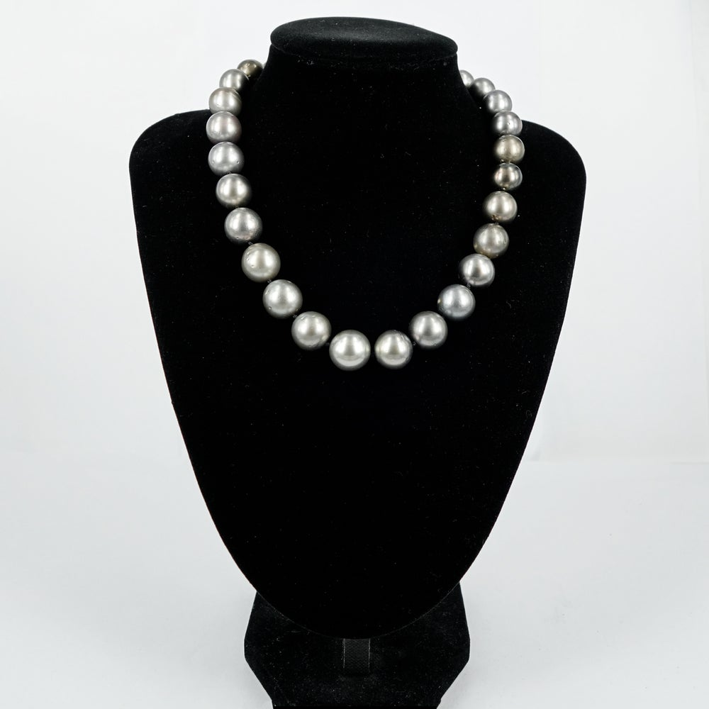 Image of Strand of Tahitian pearls