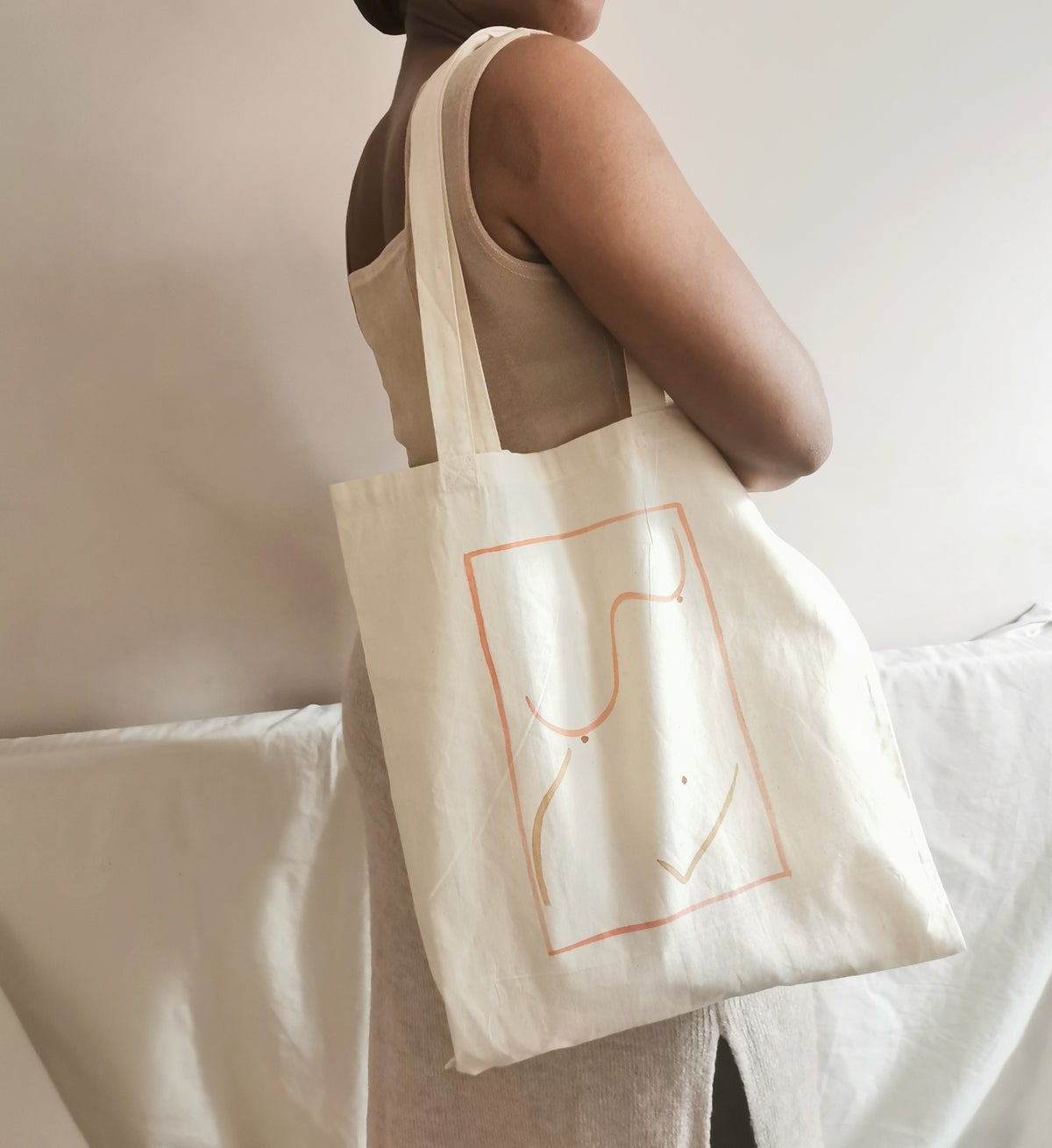 Image of female embodied tote