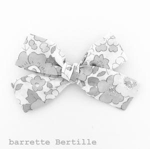 Image of Barrette voile de coton plumetis vert amande