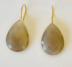 Image of Faceted Pear drop
