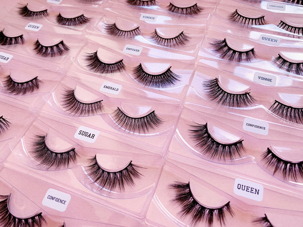 Image of Boxless Lashes.