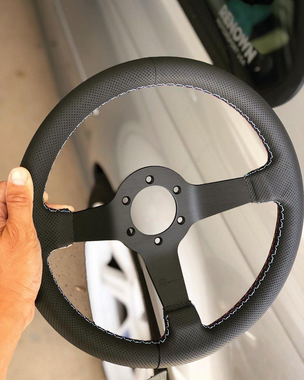 Image of NEW Renown Time Trial Motorsport Steering Wheel