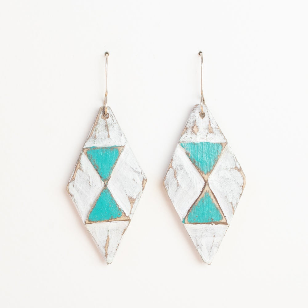 White/Turquoise Diamonds