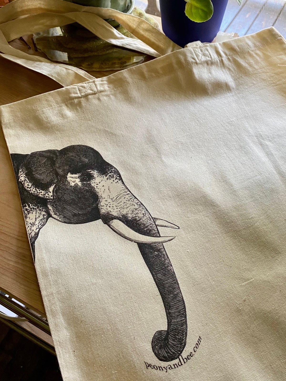 Image of Lightweight Canvas Tote - Elephant