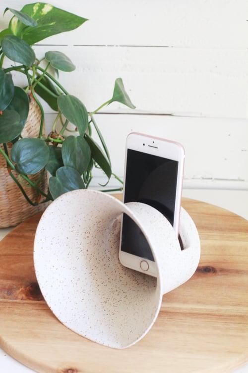 Image of Ceramic Phone Amplifier