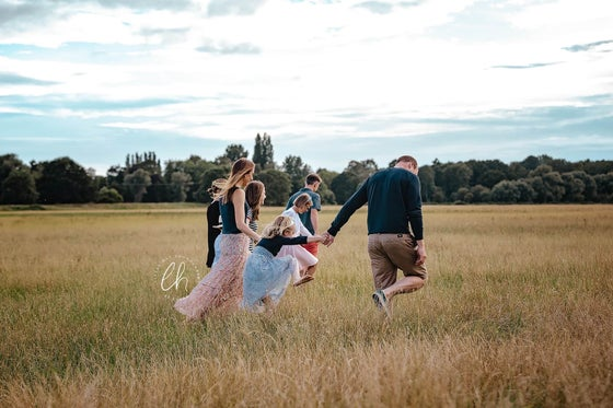 Image of EXTENDED FAMILY OUTDOOR SESSION