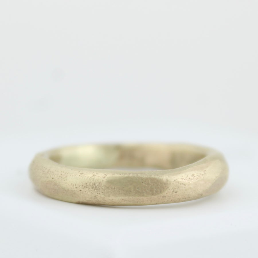 Image of THE MAXI ORGANIC RING IN GOLD