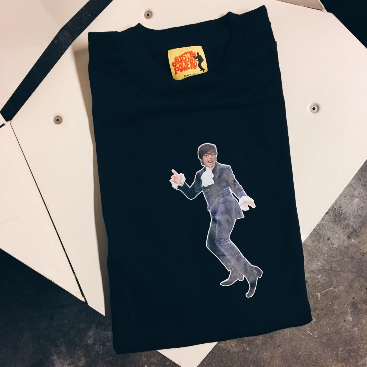 Image of Original 1999 Austin Powers Tee.