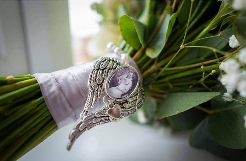 Image of Large Angel wing pendant