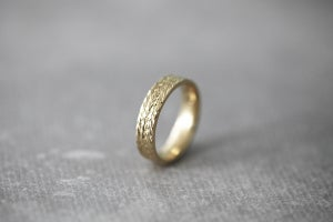 Image of 9ct gold, 5mm flat court herringbone ring