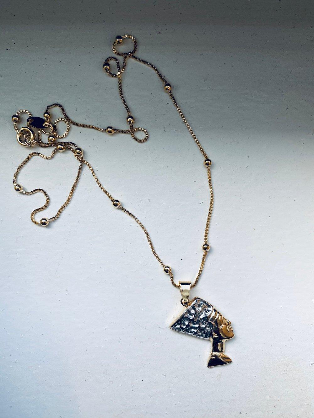 Nefertiti necklace (individual)