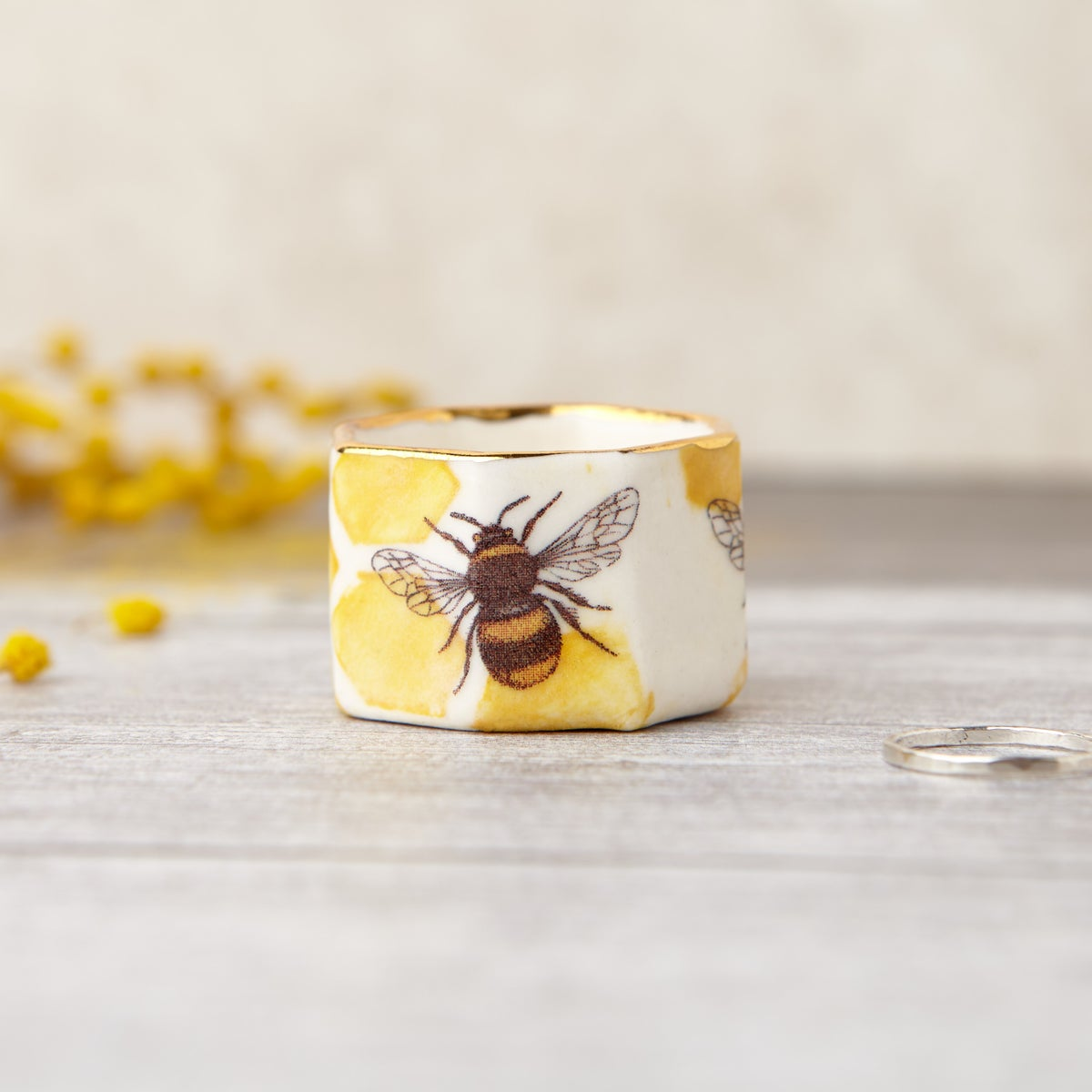 Porcelain Bee Ring Pot
