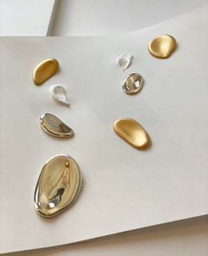 Image of Palette Earrings Round (Matt gold)