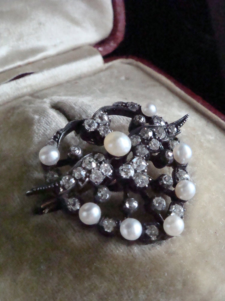 Image of Victorian sweetheart 18ct rose gold natural pearl diamond pendant and brooch in fitted case