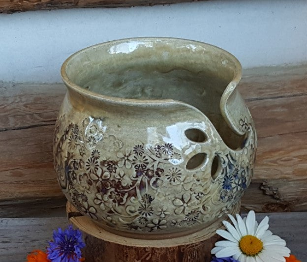 Image of Yarn Bowl for Your Wool - Mountain Flower Honey