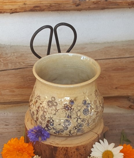 Image of Medium Crafter's Catch-all and snips: Mountain Flower Honey