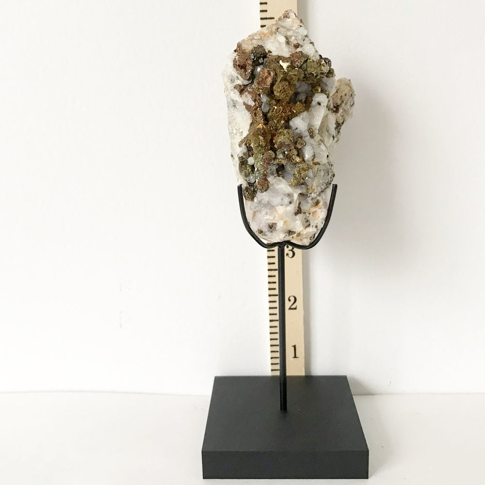 Image of  Quartz/Chalcopyrite no.35 + Matte Black Lucite Stand