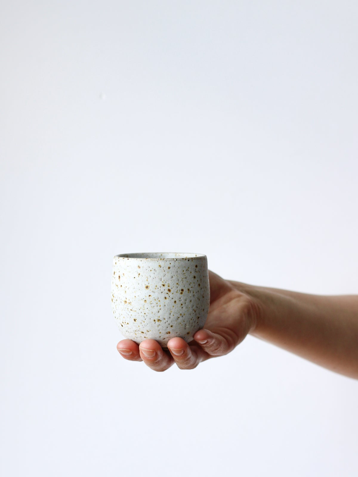 Image of small cup (white)