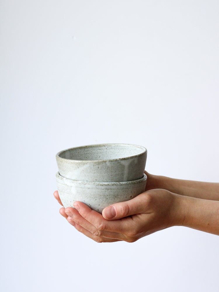 Image of bowl (grey clay)