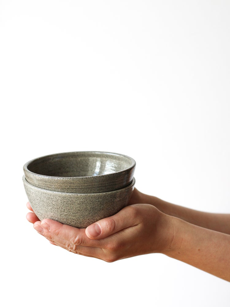 Image of snack bowl (grey clay)