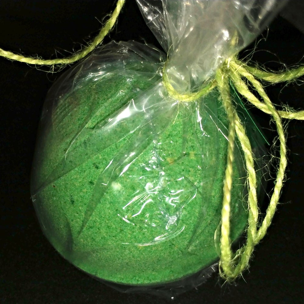 Image of Green Apple Candy - Fizzy Bath Bomb