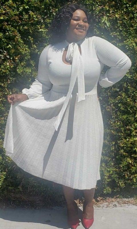 Image of Pure White Pow Tie