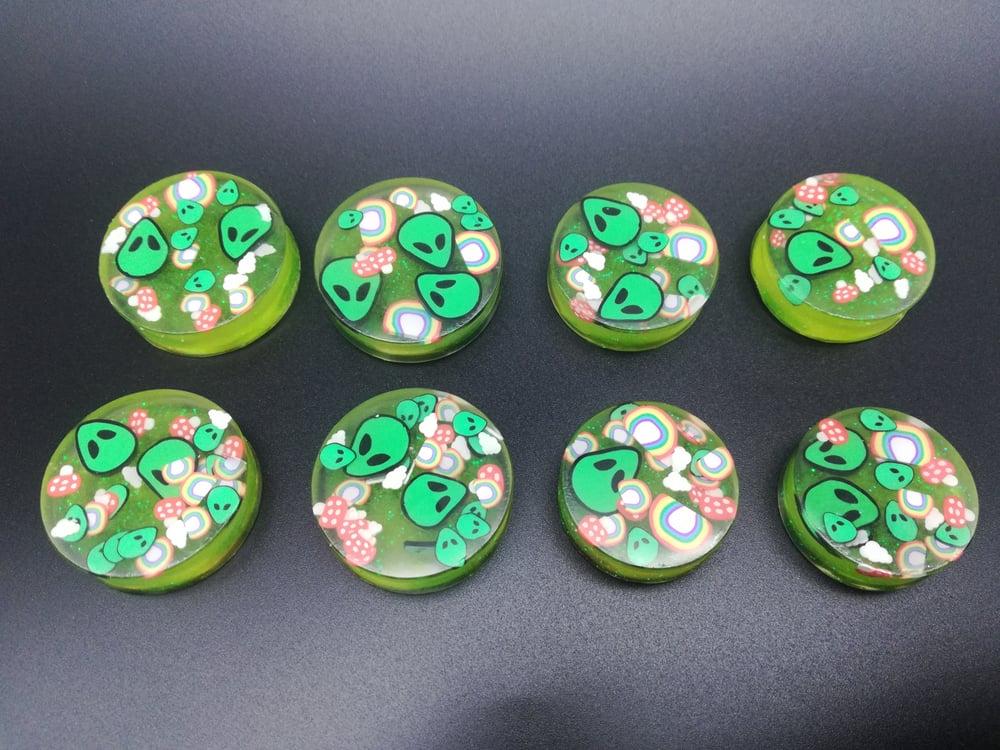 Custom Round Plugs