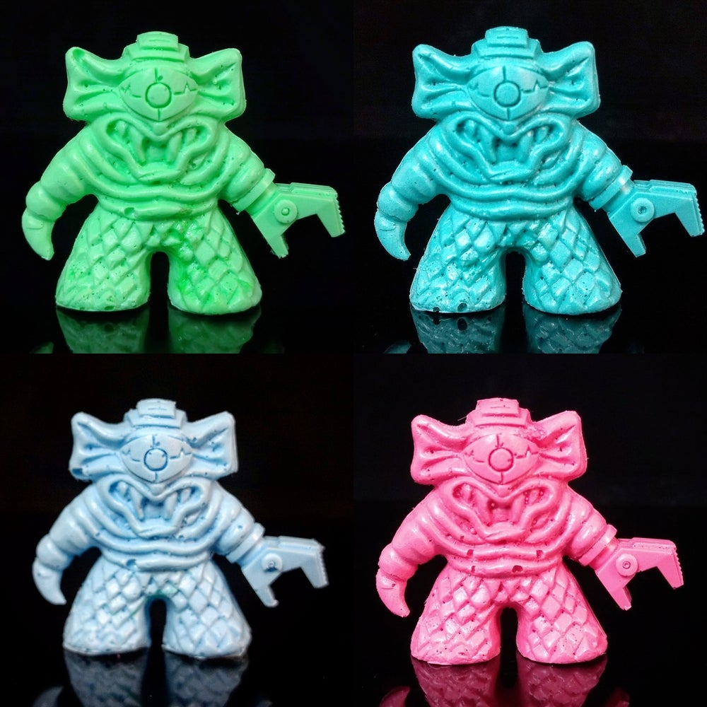 Image of CyeGore Resin Mini Figure (80's Neon Color)
