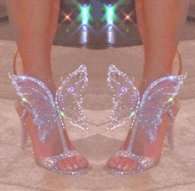 Image of Walking on diamonds