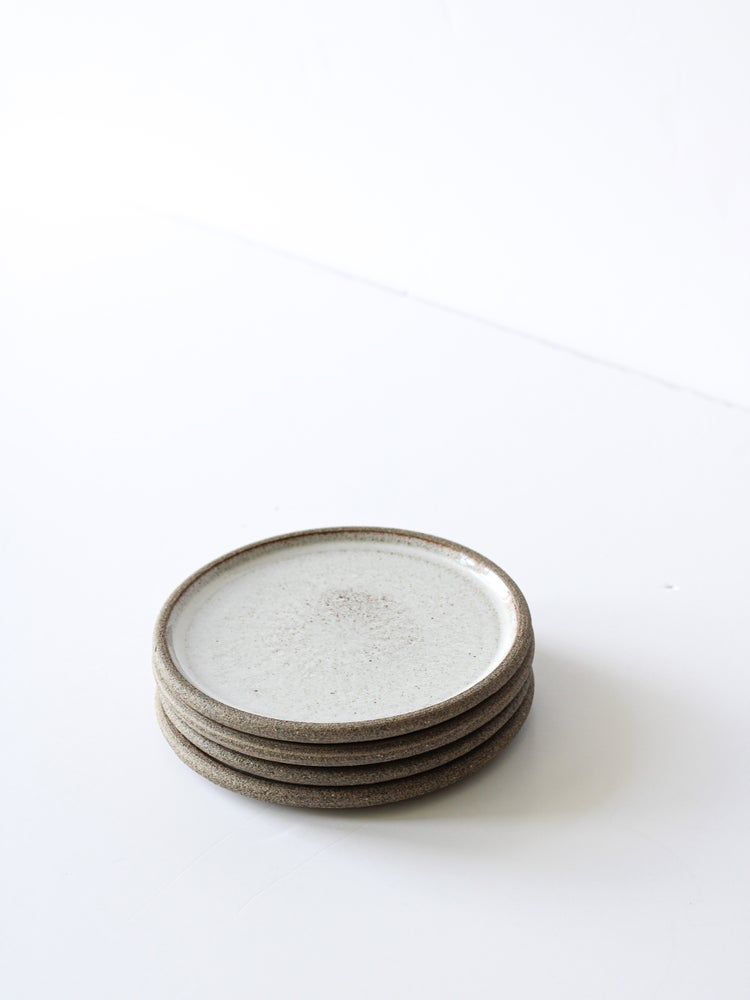 Image of cake plate (white)