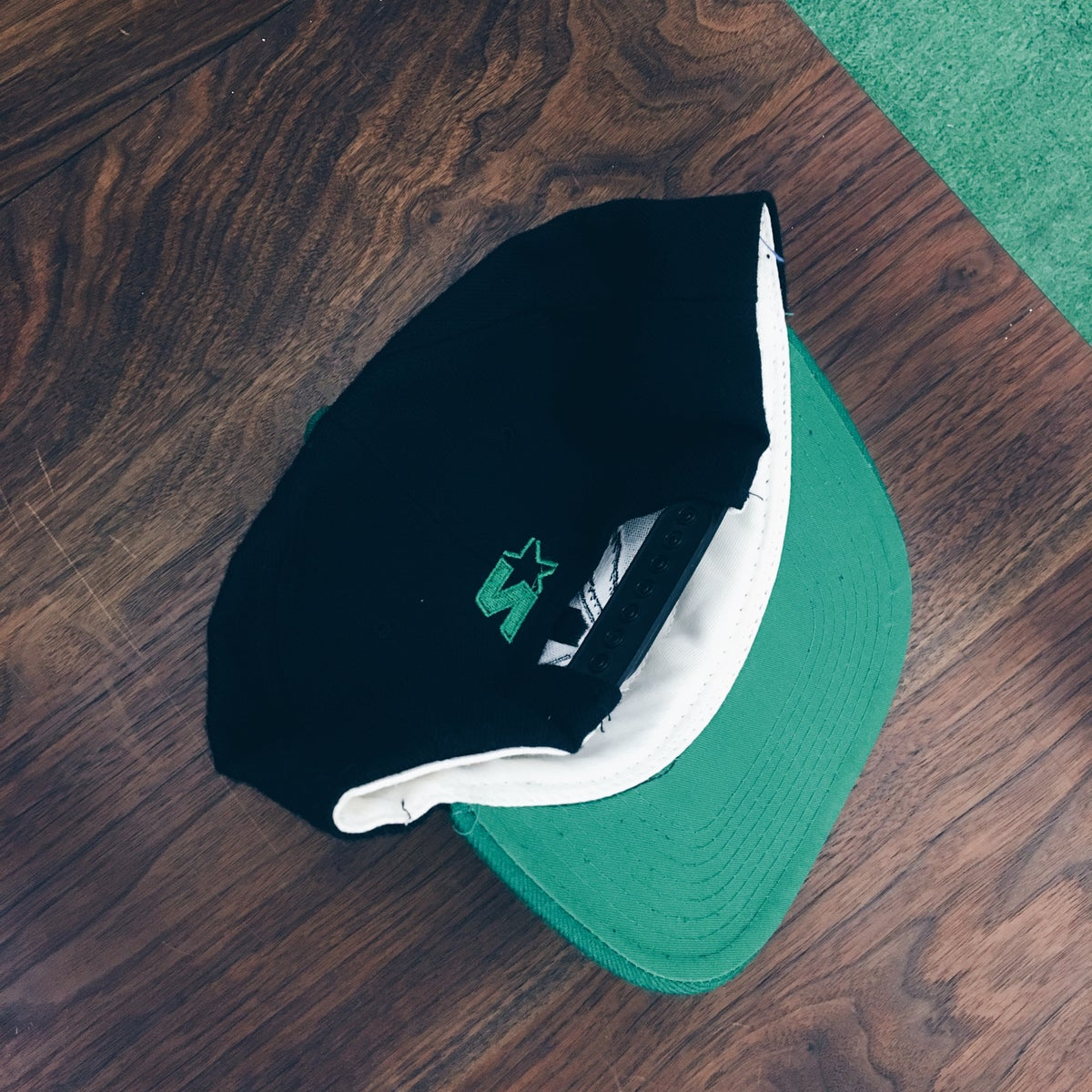 Image of Original 90's Starter Philadelphia Eagles Snapback Hat.