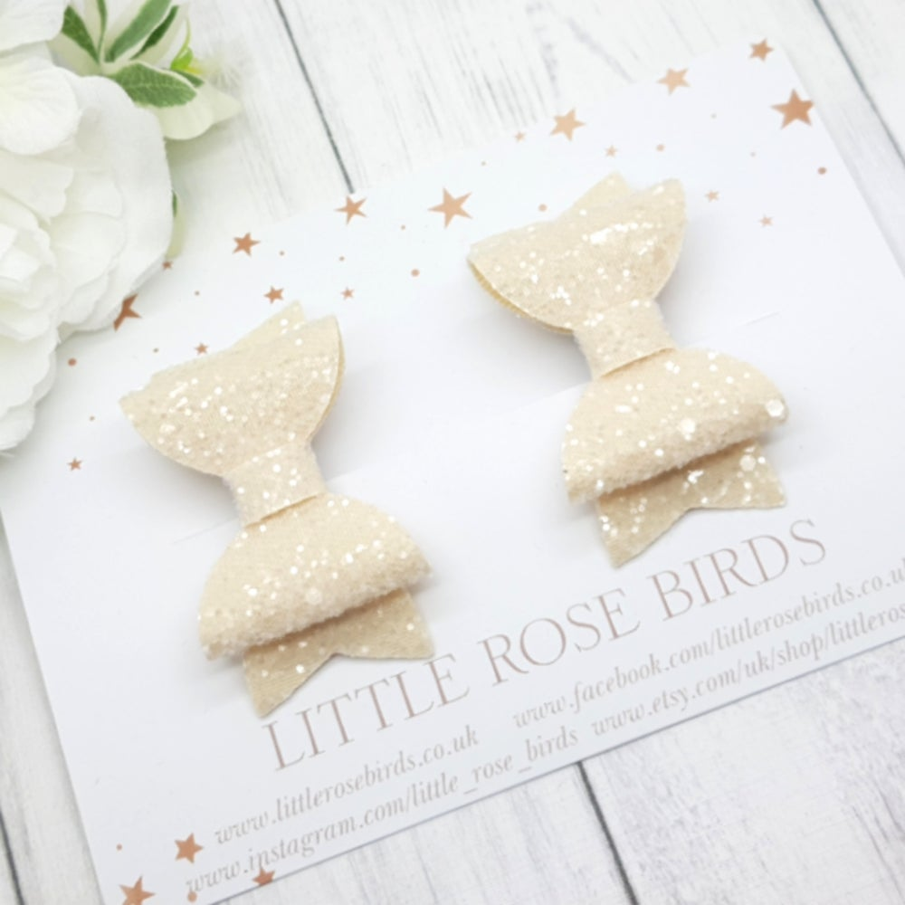 Image of Cream Glitter Pigtail Set