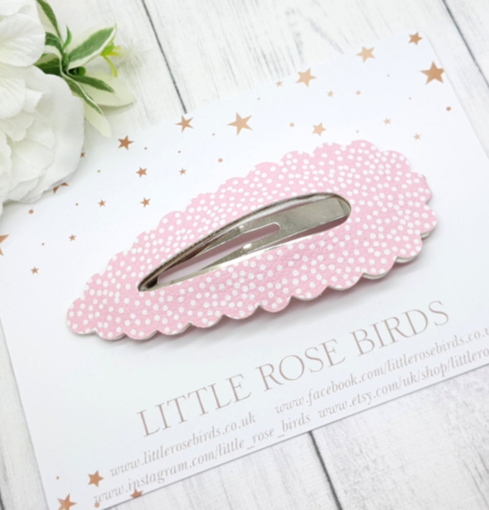 Image of Large Pink Dotty Snap Clip