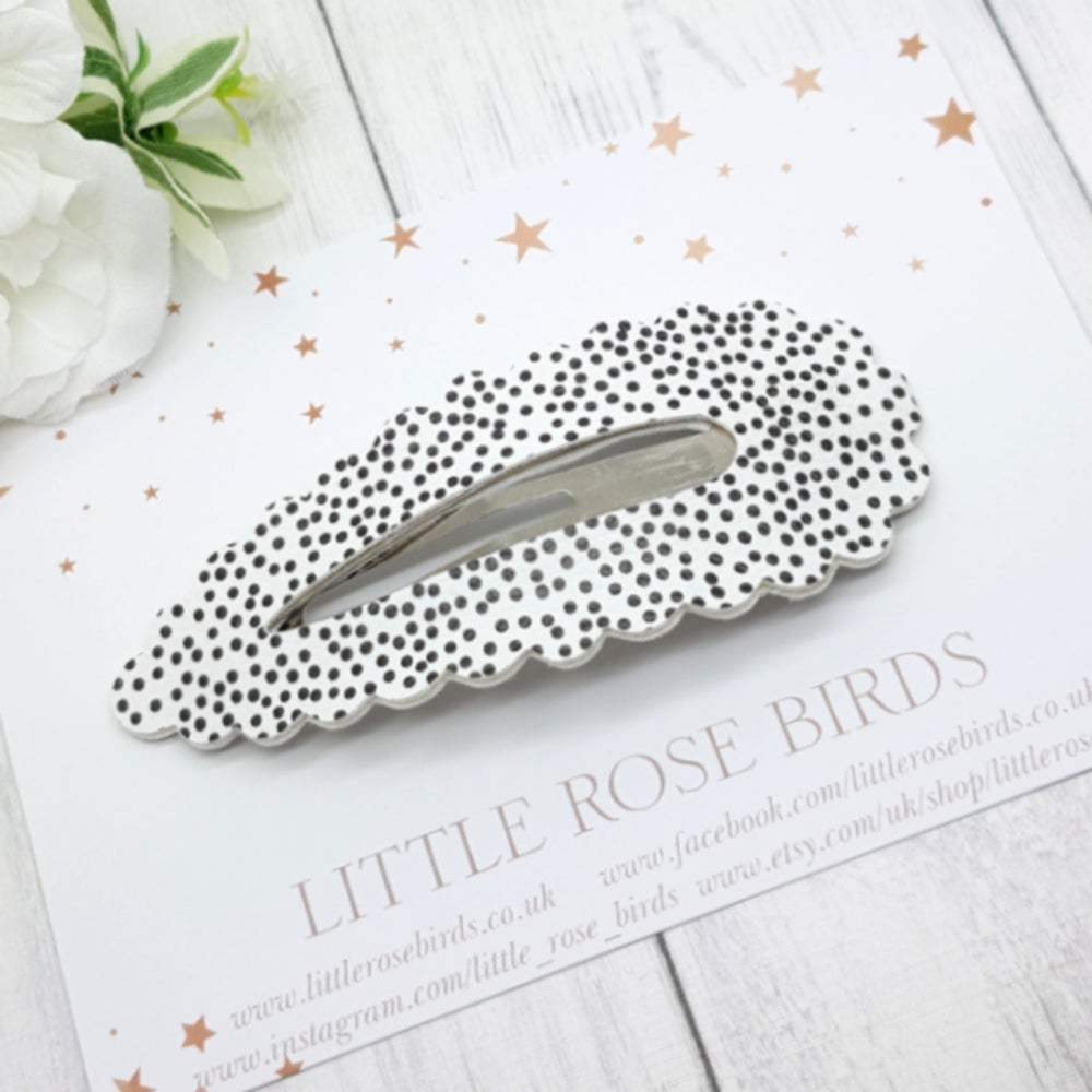 Image of Large White Dotty Snap Clip