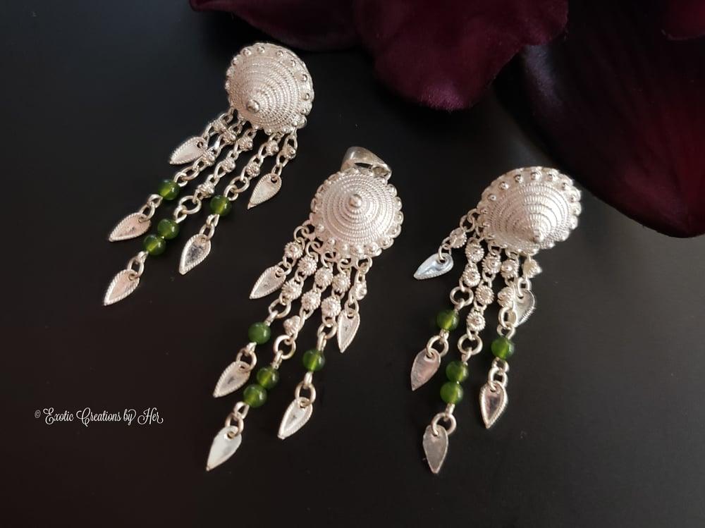 Small Jade Pobtsawb Pendant Earring set