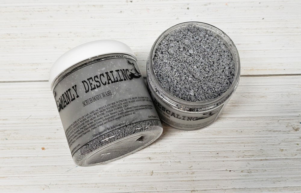 Image of MANLY DESCALING SALT SCRUB