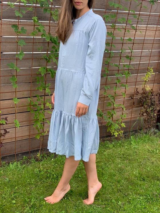 Image of Stribet viscose kjole