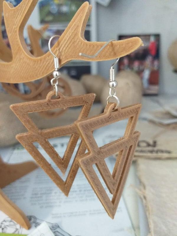Image of Orecchini a triangolo in bio-plastica a basa di Canapa