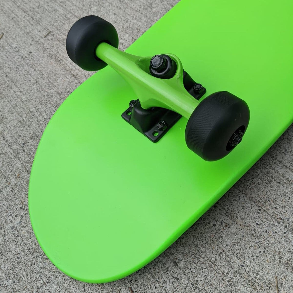 """Image of Neon Green 7.5"""" Complete Skateboard"""