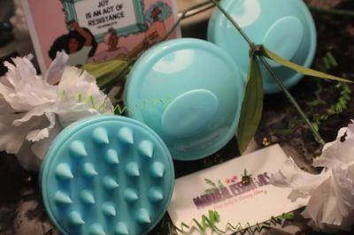 Image of Scalp Scrubba Massage Brush
