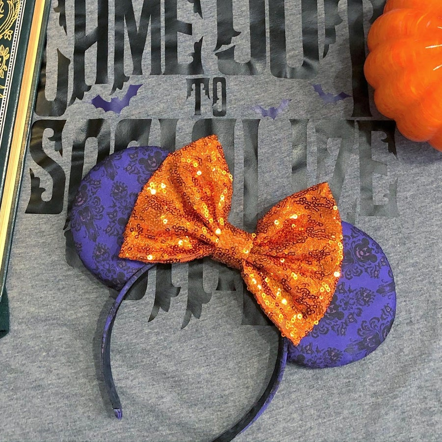 Image of Haunted Mouse-O-Lantern Wallpaper Ears